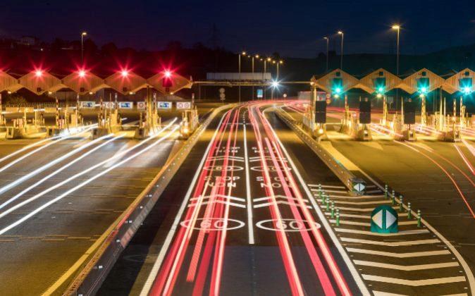 Peaje de una autopista de Abertis