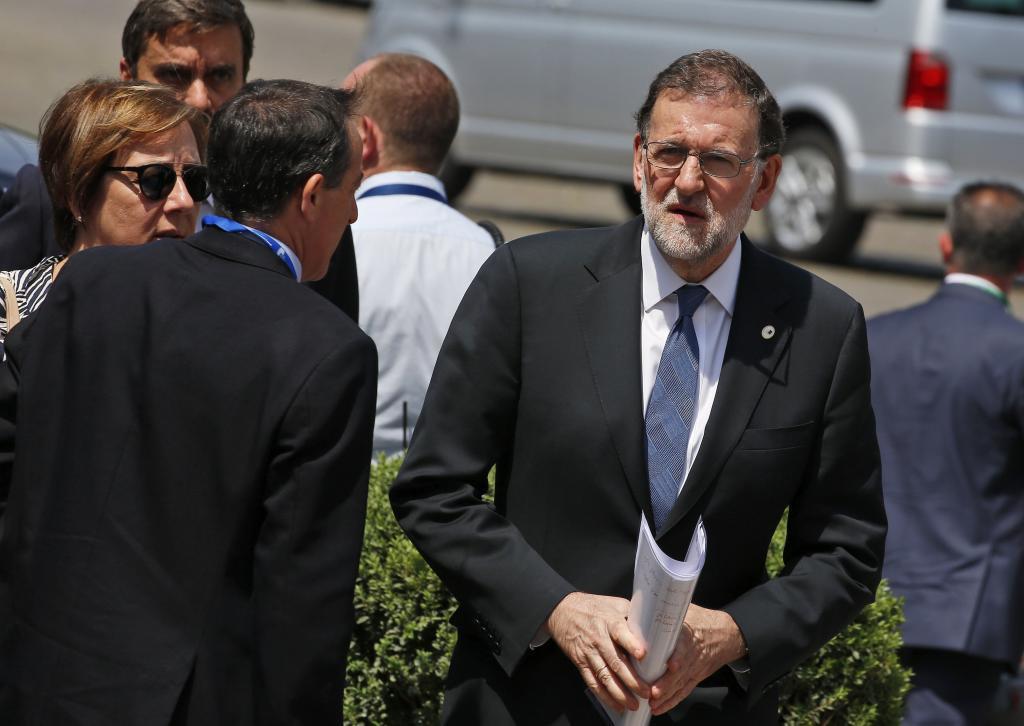 El presidente del Gobierno español, Mariano Rajoy, a su llegada a la...
