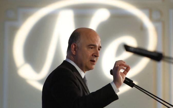 El comisario europeo de asuntos Económicos y Financieros, Pierre...