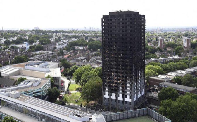 Vista de la torre residencial Grenfell tras el incendio.