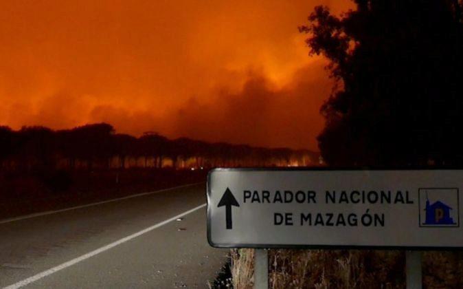 Imagen del incendio declarado en la provincia de Huelva