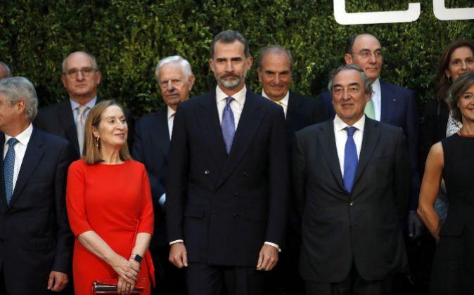 Felipe VI junto a la presidenta del Congreso de los Diputados, Ana...