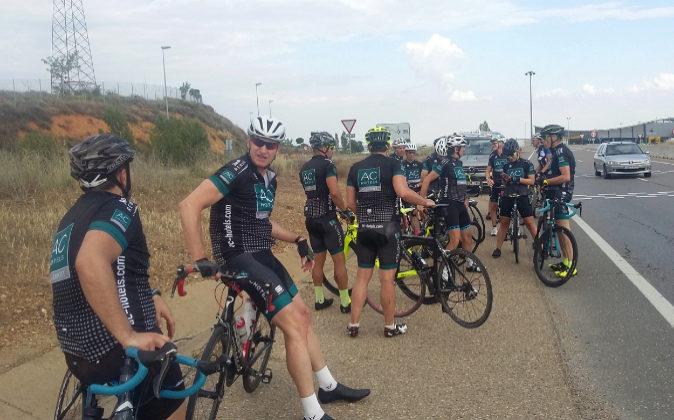 Un grupo de participantes de la Ruta Xacobea AC Hotels, ayer a la...