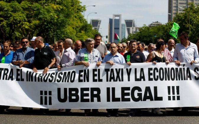 Manifestacion de taxistas por el Paseo de la Castellana en la última...