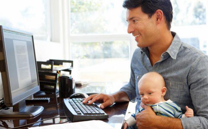 Disponer de un espacio que cuide de sus hijos también es una de las...