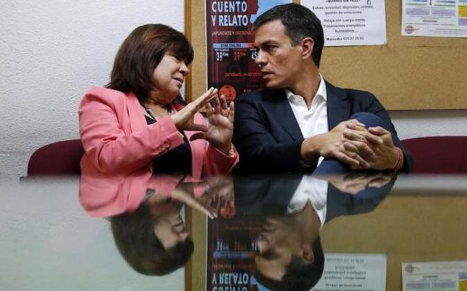 Cristina Narbona y Pedro Sánchez en su empeño por obstaculizar el...
