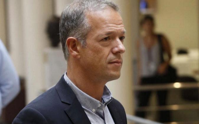 El nuevo portavoz del grupo socialista en el Senado, Ander Gil, tras...