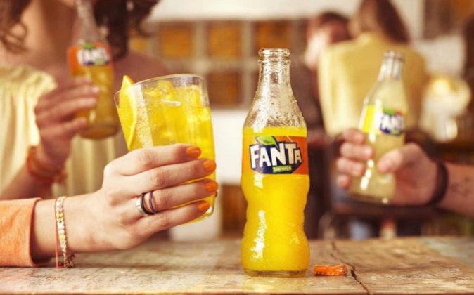 Nueva botella asimétrica de Fanta.