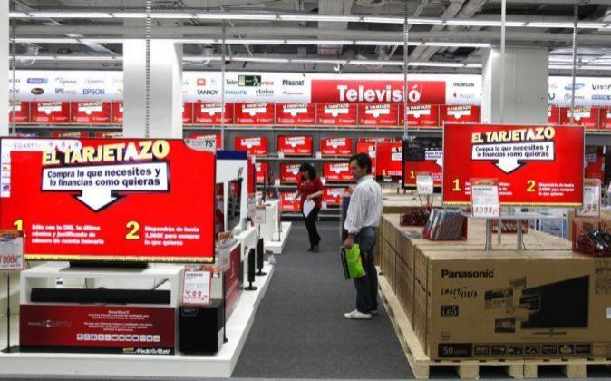 Tienda de Media Markt en el centro comercial La Maquinista, en...