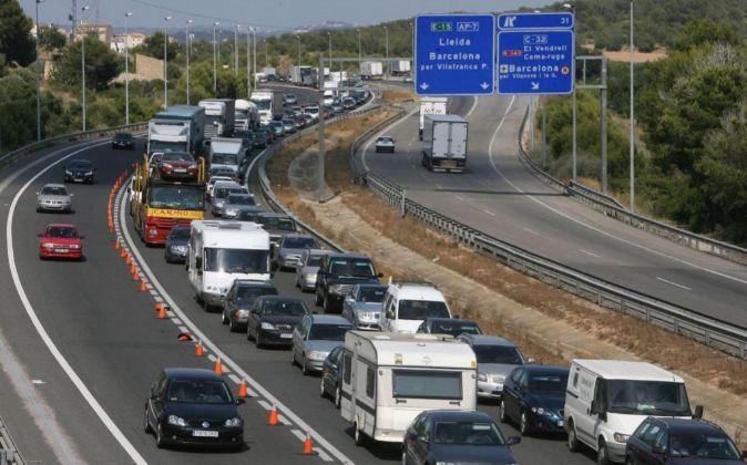 Tráfico en la AP7 a la altura de Roda de Bará (Tarragona).