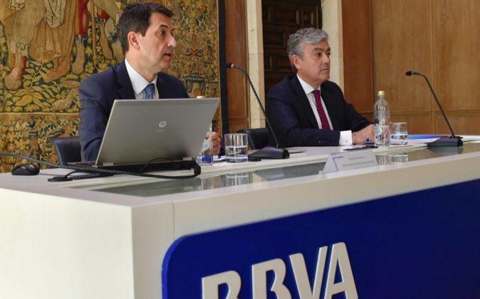 Rafael Domènech (i), responsable de Análisis Macroeconómico de BBVA...