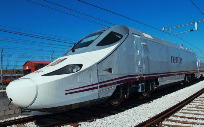 Tren AVE S130 fabricado por Talgo y Bombardier.