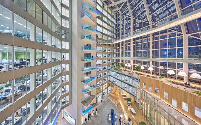 EL EDIFICIO INTELIGENTE. The Edge es la sede central de Deloitte en...