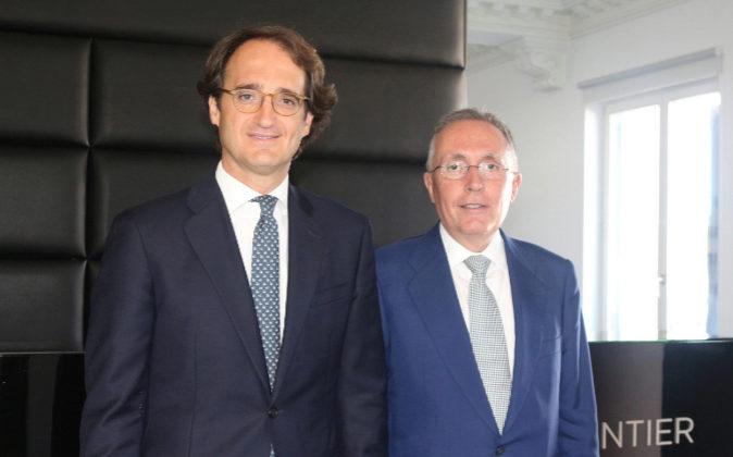 De izqda. a dcha., Pedro Rodero, socio director de Ontier, y Adolfo...
