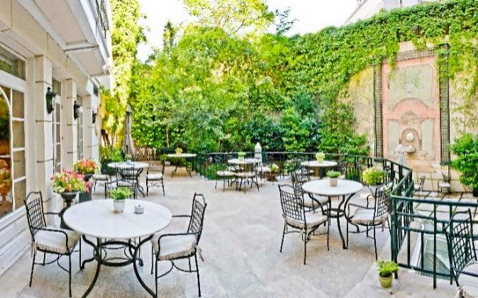 Con el buen tiempo, la terraza se convierte en un lugar ideal.