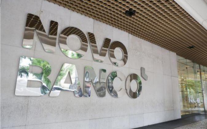 Vista de la sede de Novo Banco.