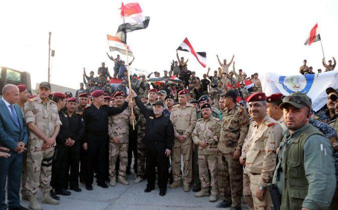 Fotografía cedida por el gabinete del Primer Ministro de Irak que...