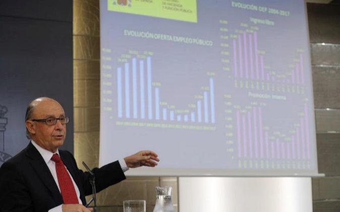 Montoro detalla la OEP extraordinaria el pasado viernes en Moncloa.