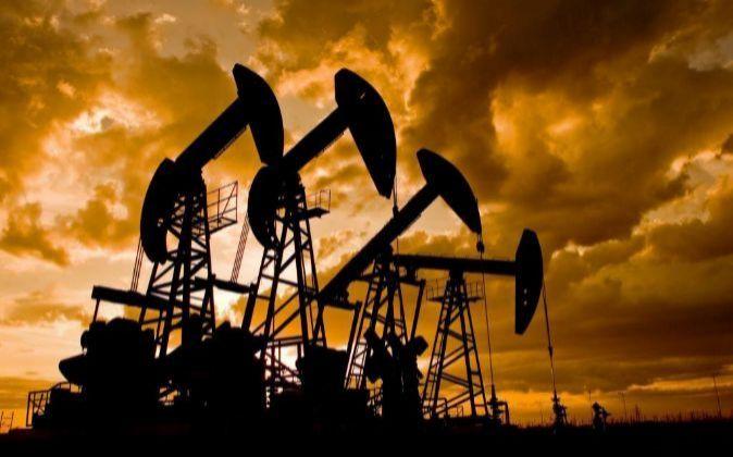 Imagen de instalaciones petrolíferas