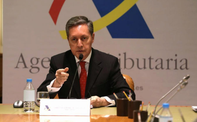 El director general de la Agencia Tributaria, Santiago Menéndez, el...