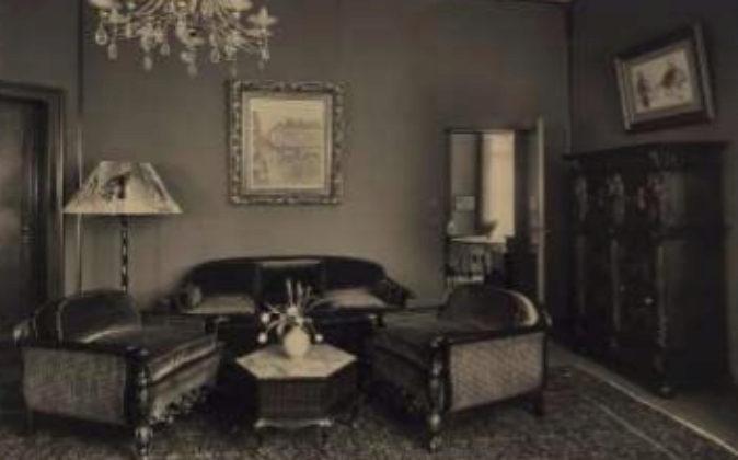 Fotografía del cuadro colgado en el salón de la familia Cassirer, en...