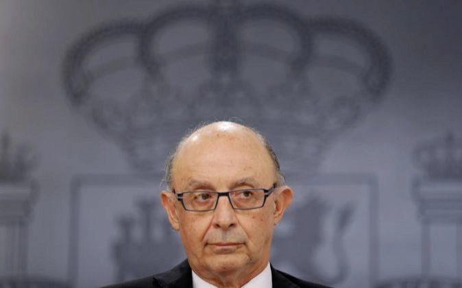 El ministro de Hacienda, Cristóbal Montoro, el pasado viernes en...
