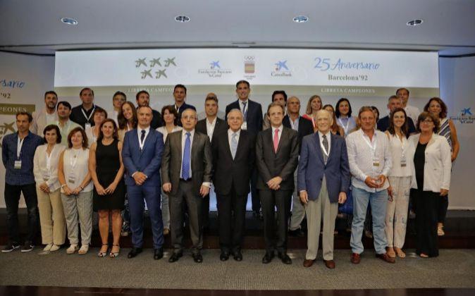 El presidente de la Fundación Bancaria La Caixa, Isidro Fainé; el...