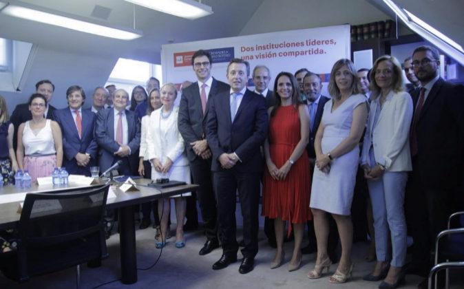 Conrado Briceño, director general de la Universidad Europea, y Javier...