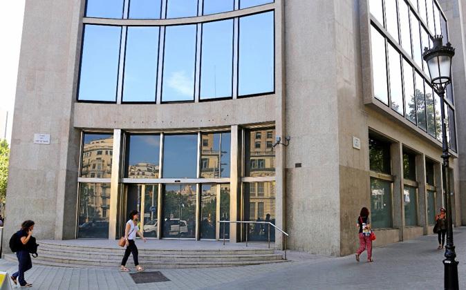 Esquina de Passeig de Gràcia con Avinguda Diagonal donde Seat...