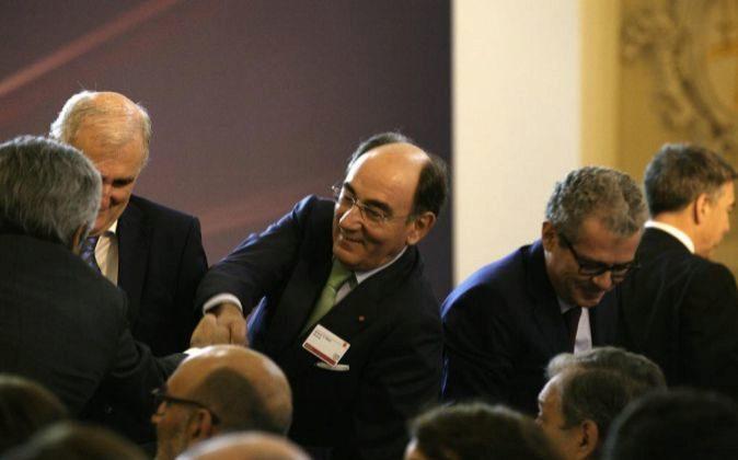 El presidente de Iberdrola, Ignacio Sánchez Galán, y Pablo Isla,...