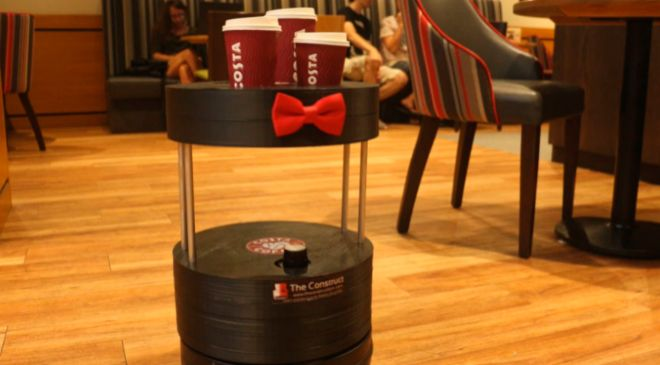El autómata en la cafetería Costa Coffee de Barcelona.