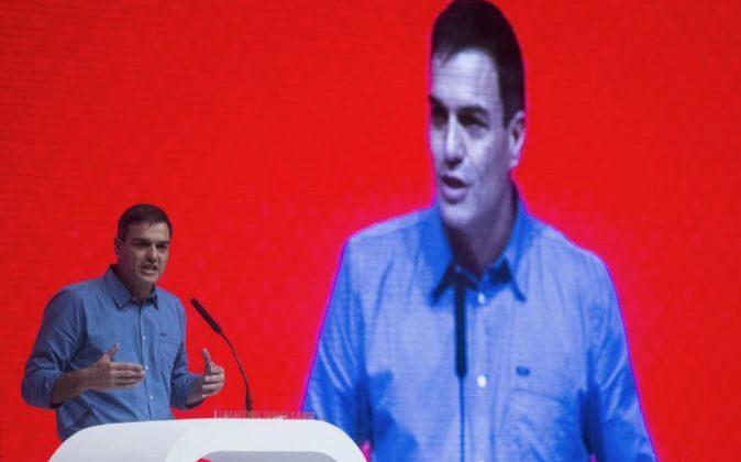 El secretario general del PSOE, Pedro Sánchez, durante su...
