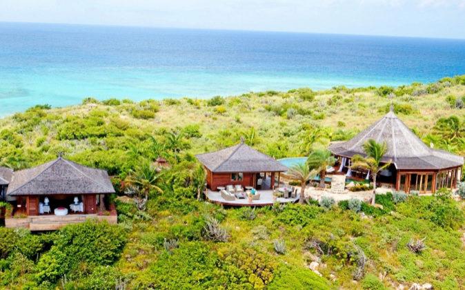Dos paraísos de lujo: Necker Island (imagen de arriba), en las Islas...