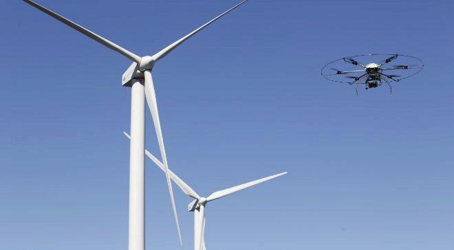 Iberdrola emplea drones para la inspección de las palas de...