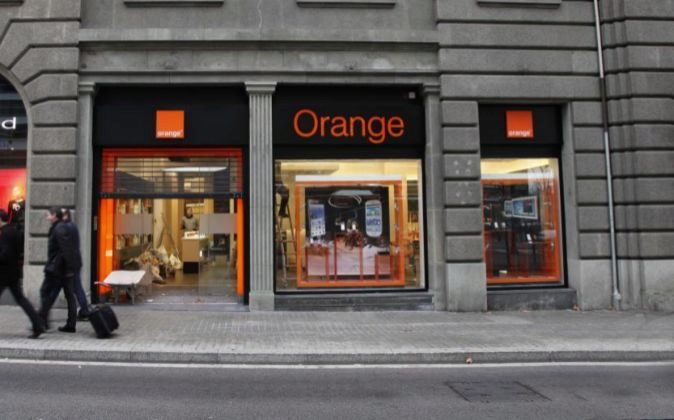 Tienda de Orange en la Diagonal 598 de Barcelona.