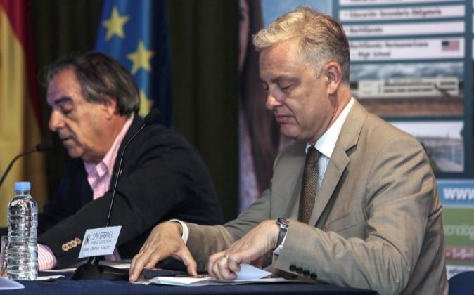 El embajador del Reino Unido en España, Simon Manley, hoy en   su...