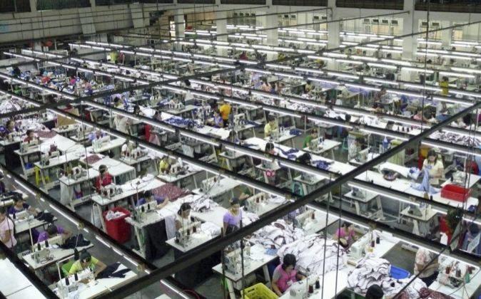 Fábrica textil en Rangún, Birmania.