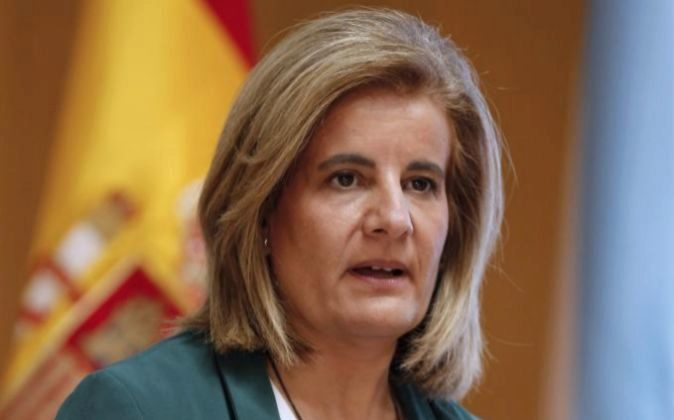 La ministra de Empleo y Seguridad Social, Fátima Báñez, ayer...