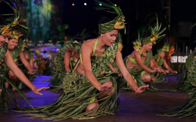 Cada isla acude al Festival Heiva i Tahiti con sus bailes, vestidos y...