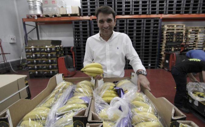 Antonio Morales, en las instalaciones de Solocanarias en Sevilla.