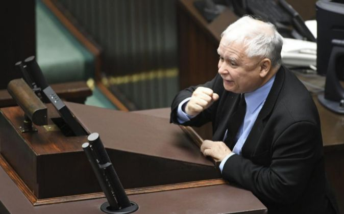 El líder del partido gobernante en Polonia, Ley y Justicia (PiS),...