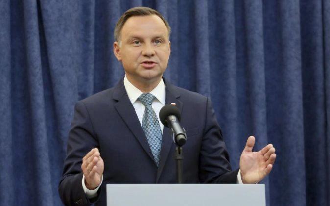 El presidente polaco, Andrzej Duda, da un rueda de prensa en el...