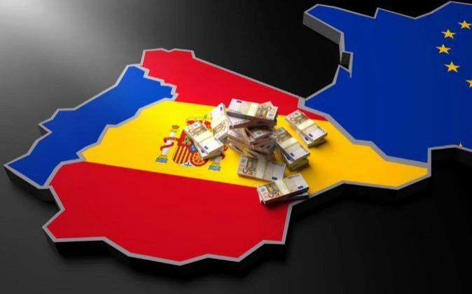 Mapa de España con fajos de billetes de 50 euros.