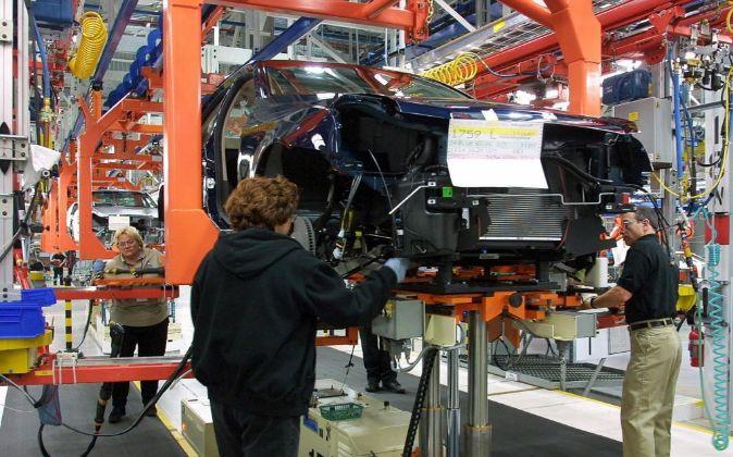 Imagen de una planta de ensamblaje de automóviles
