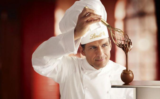 Maestro chocolatero de Lindt.