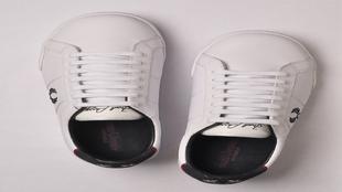 Un giro muy moderno en  el clásico zapato de tenis. <strong>Hecha en...