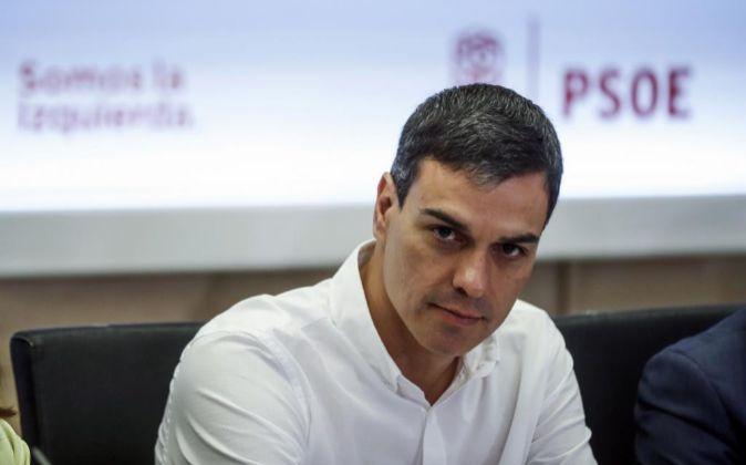 El líder del PSOE, Pedro Sánchez, durante la reunión de la semana...