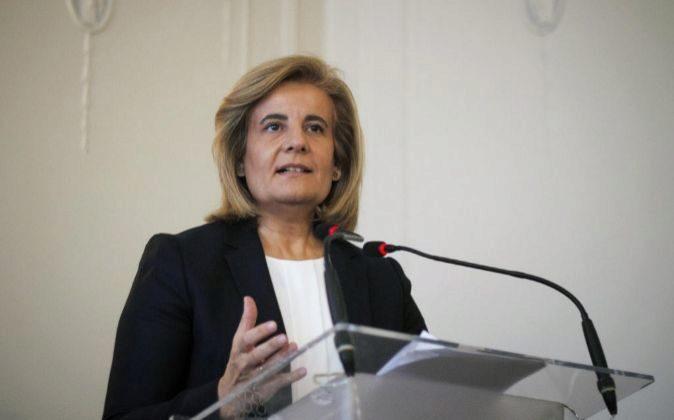 La ministra de Empleo y Seguridad Social, Fátima Báñez, durante su...