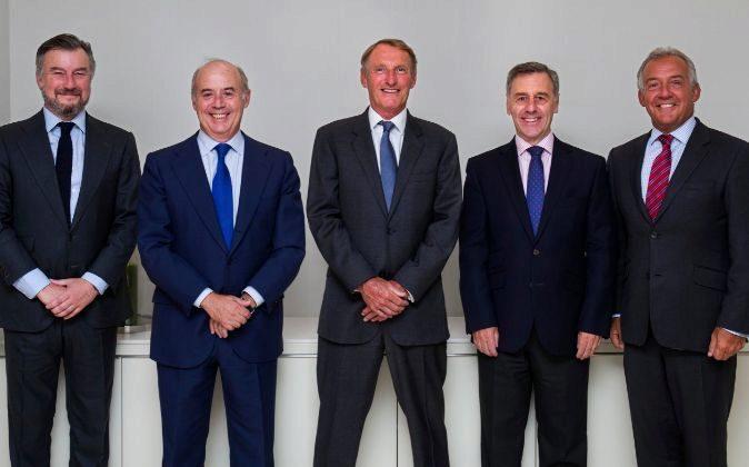 De izquierda a derecha: Rafael Merry del val, Santiago Aguirre, Jeremy...