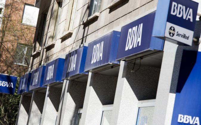 Sucursal oficina bancaria del BBVA en Madrid.